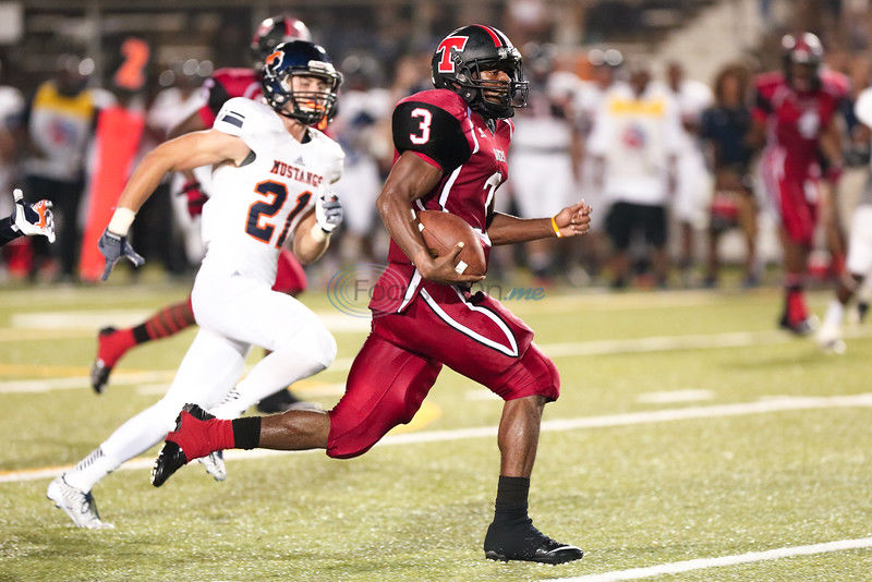 Hall's Mark: Lee QB turns in record performance in 62-49 win