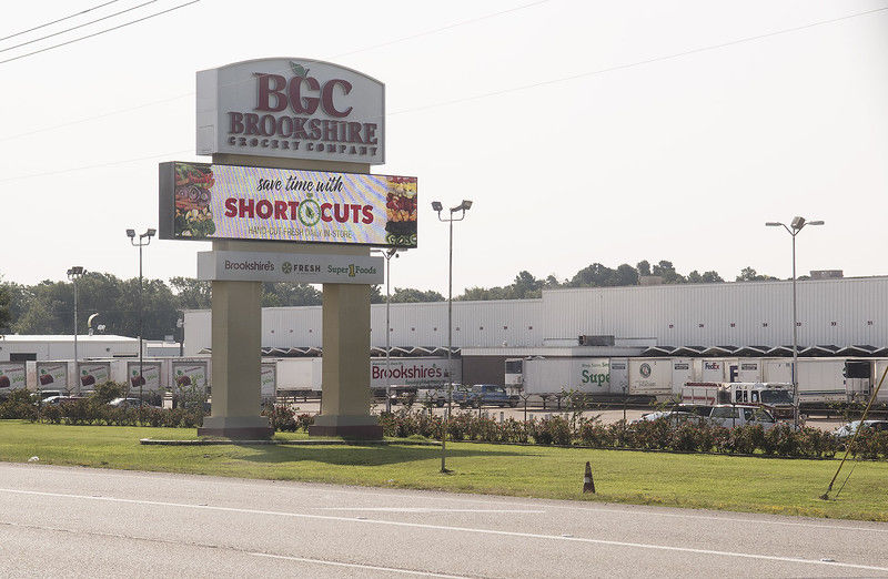 11 Treated After Ammonia Leak At Brookshires Warehouse Local News