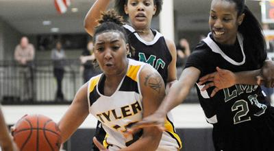 TJC continues hot streak with sweep