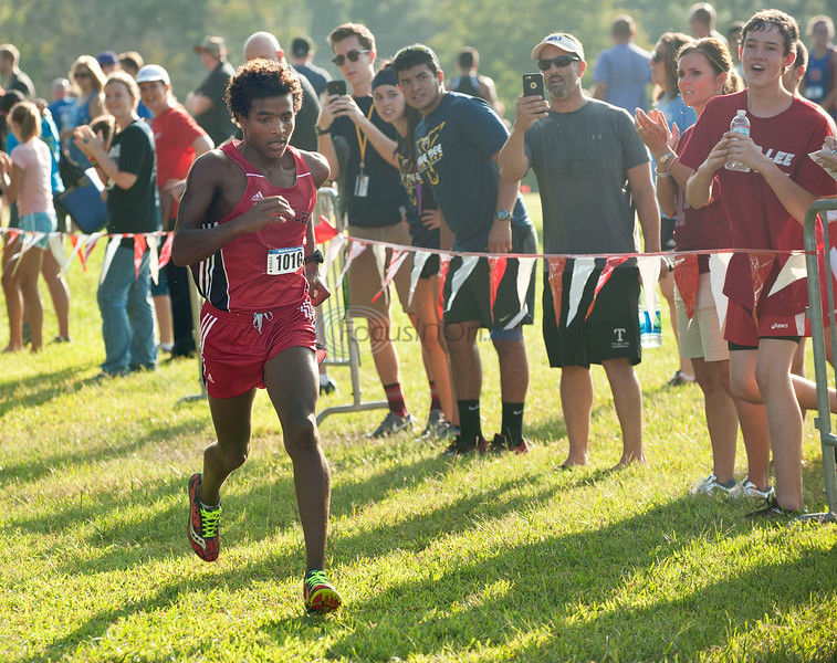 Knight gains experience on sloppy course at CC state meet