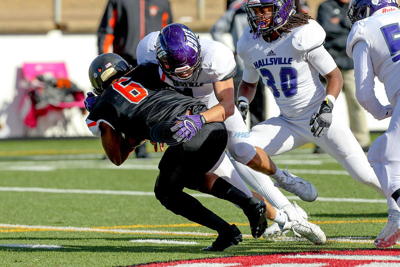 Hallsville denied by Lancaster rally, 30-23