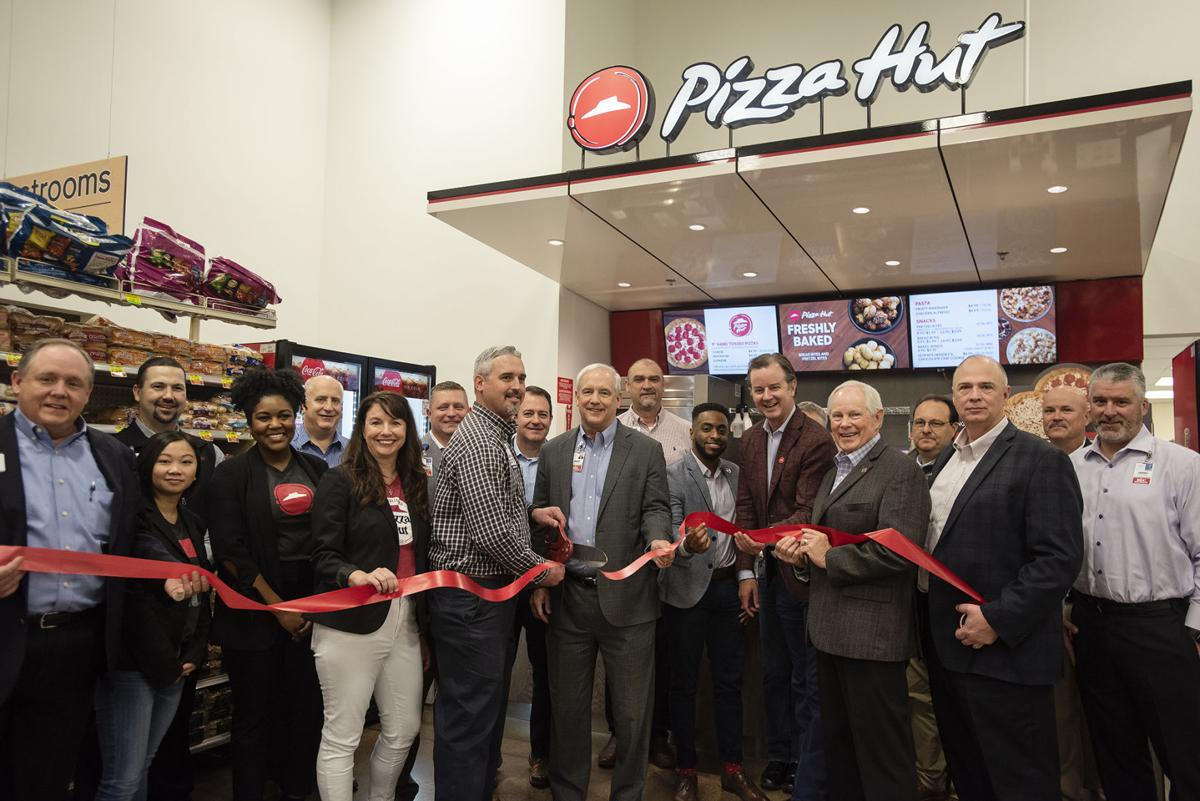 11262019_local_pizza_hut_brookshires_01web.jpg