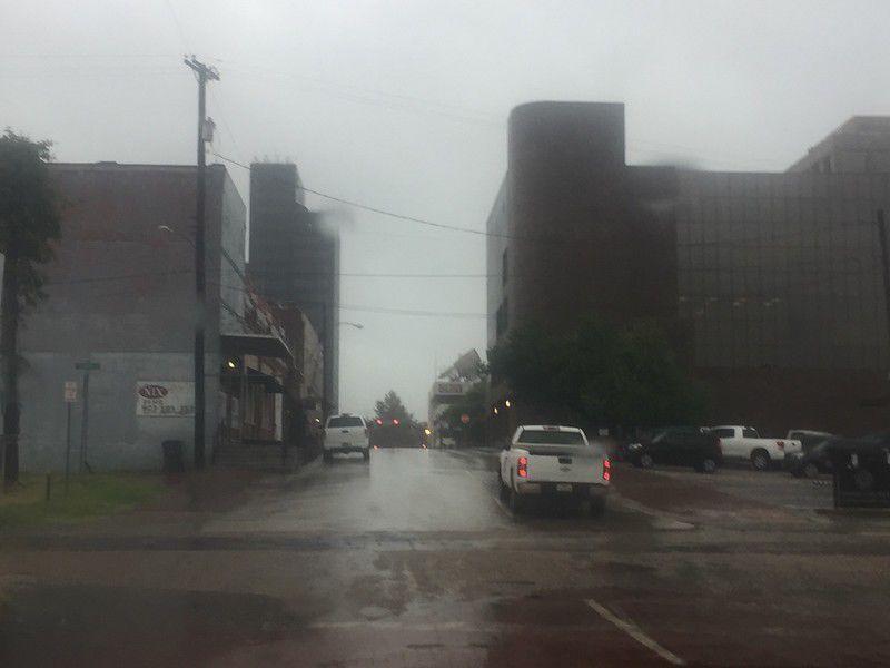 Winds, lightning, heavy rain expected through Saturday
