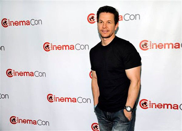 Slime time: Wahlberg helms Kids' Choice Awards
