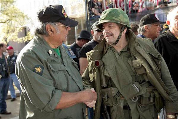 Gov. Perry dedicates new Vietnam Veterans Monument