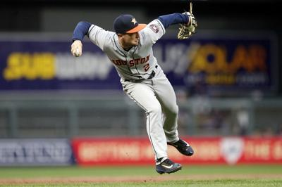 Astros top Twins for sixth straight win