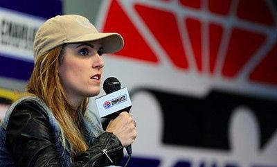 Widow of 'American Sniper' Chris Kyle tells NFL players to 'get off their knees'
