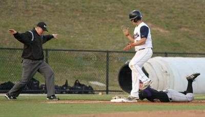 Patriots take advantage of miscues for 7-4 win