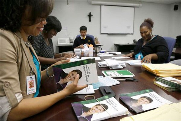 Fewer than 3K Texans select health plans 1st month