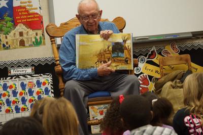Longtime Tyler ISD volunteer shares love of reading