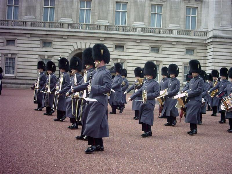 Buckingham Palace Band3 (Medium).jpg