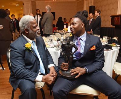 Foreman wins Earl Campbell Tyler Rose Award