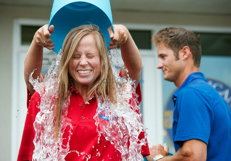 Not even ice-cold water can dampen Ice Bucket Challenge