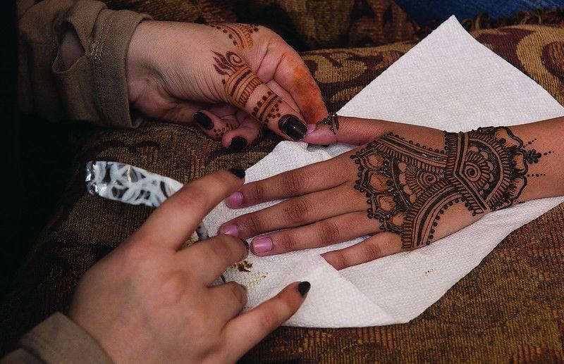 Henna Tattoo Artist Shares Art Culture Local News Tylerpaper Com