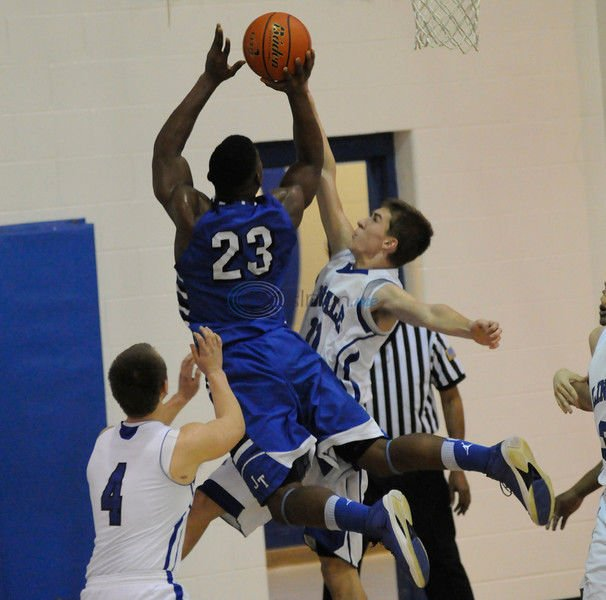 John Tyler routs Lindale, 61-38