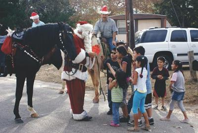 Santa will visit Lindale on horseback on Saturday; kids urged to play outside