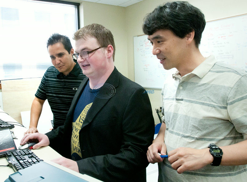 Undergraduate researchers tackle summer projects