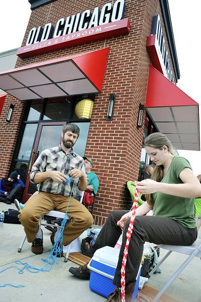 About 200 people line up for opening of Old Chicago Pizza, hoping to win a year of free pie