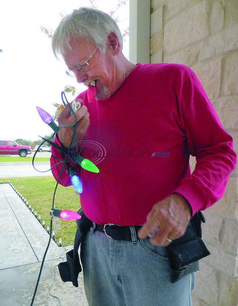 'Tis the season:Lighting up the holidays with Christmas colors