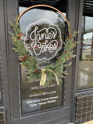 City of Tyler awards Beauty and Businesses Award to Janie's Cakes