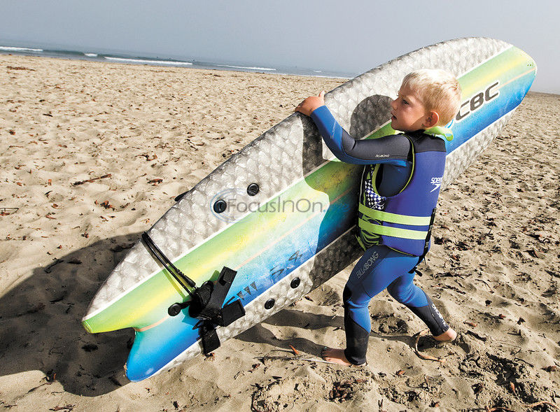 VIDEO: Age 3 and hanging 10: Preschooler surfer is a natural
