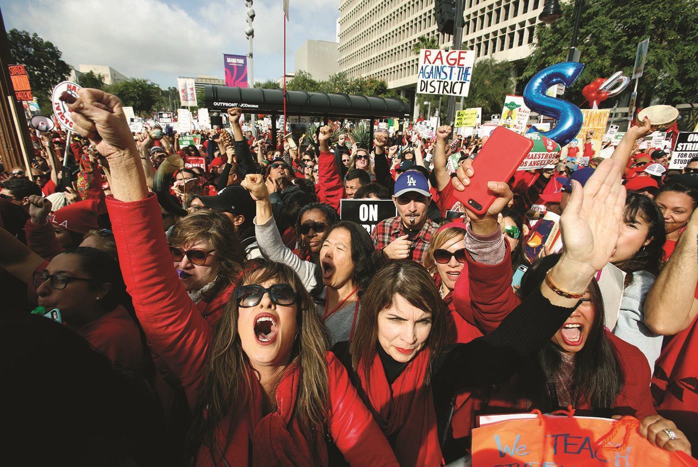 Smaller class sizes not proven, but teachers strike for them