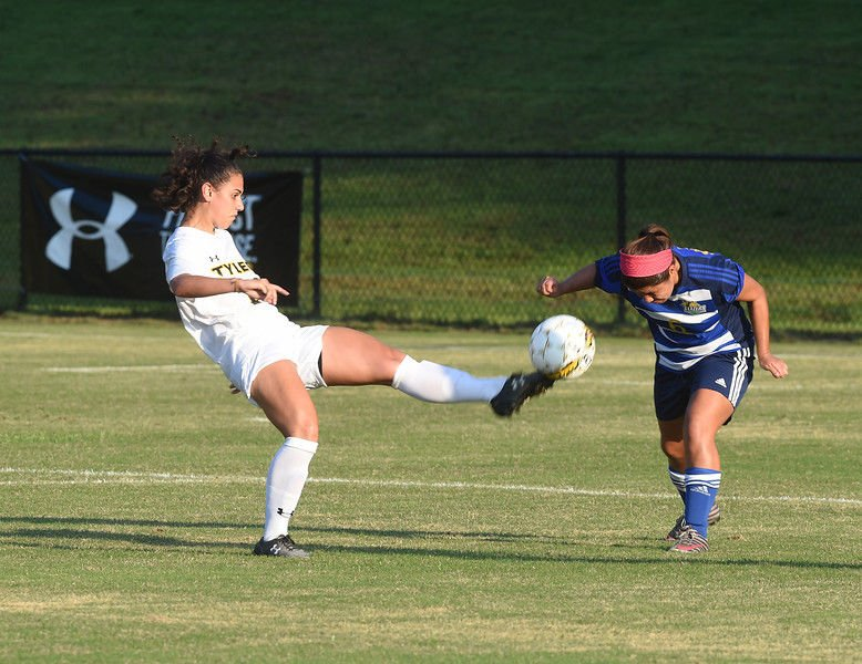 TJC soccer teams cruise to victories over Jacksonville, North Lake