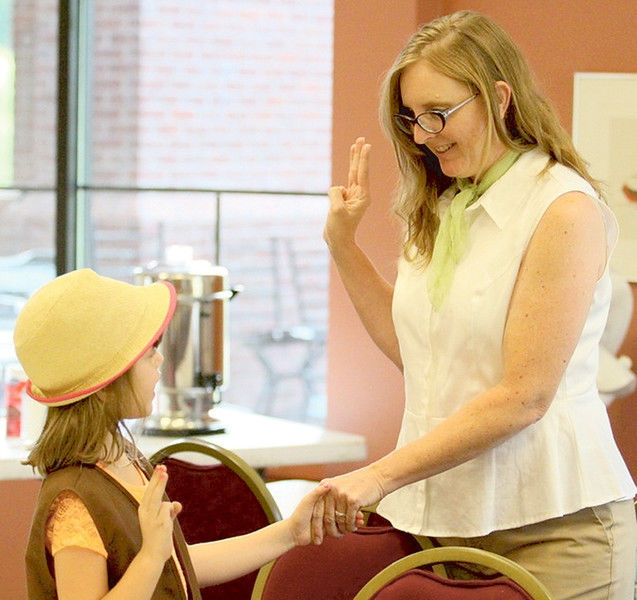VIDEO: Mother, Girl Scouts leader prefers to lead by example