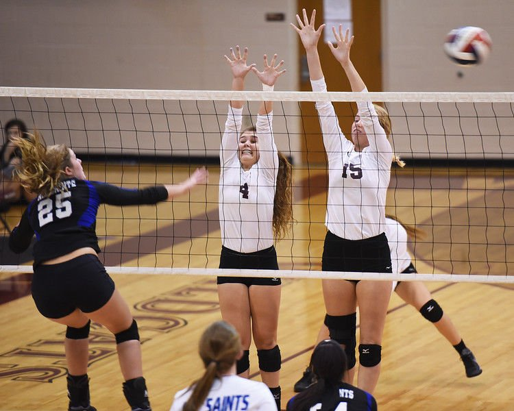 Volleyball Roundup: Lee stays unbeaten in district play