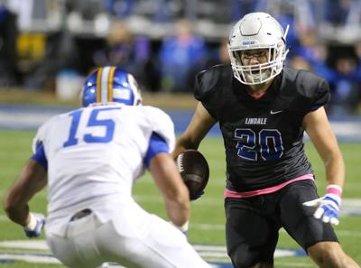 Corsicana ties record with 5th overtime win, 21-20 over Lindale