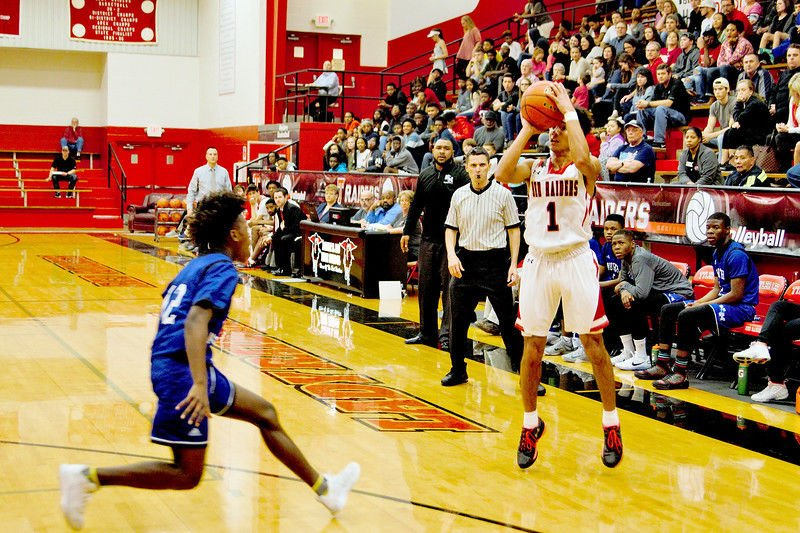 Robert E. Lee captures first league win; Lady Raiders roll at North Mesquite