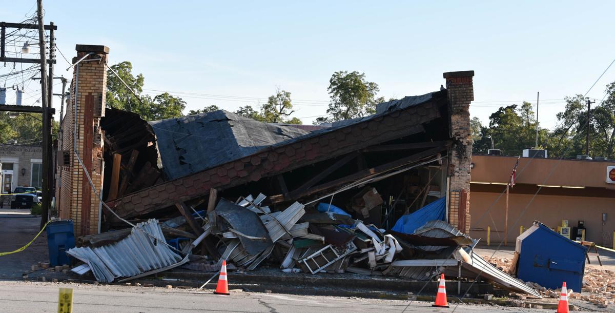 10072020_tmt_news_rusk_building_collapse_3.jpg