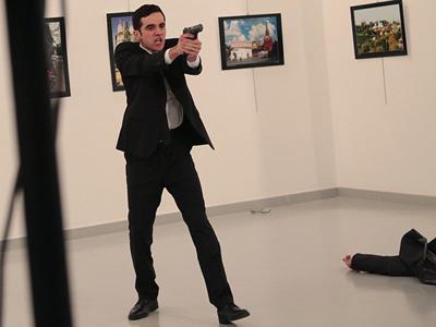 "Gunman shouting ""Allahu akbar"" shoots and kills Russian ambassador to Turkey at art exhibit"