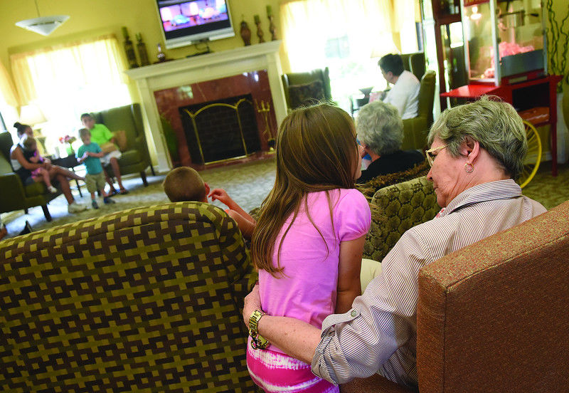 Atria Copeland assisted living program brings seniors, children together
