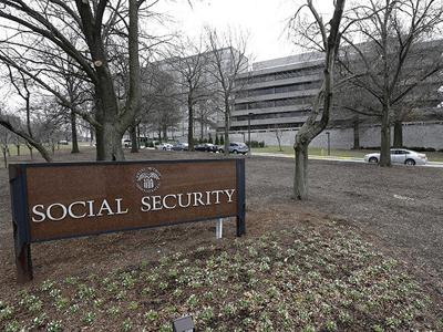 Social Security recipients to get tiny 0.3 percent COLA increase in benefits in 2017