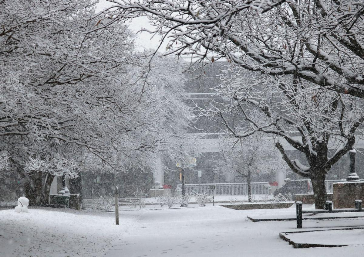 Tyler City Square fills up with snow