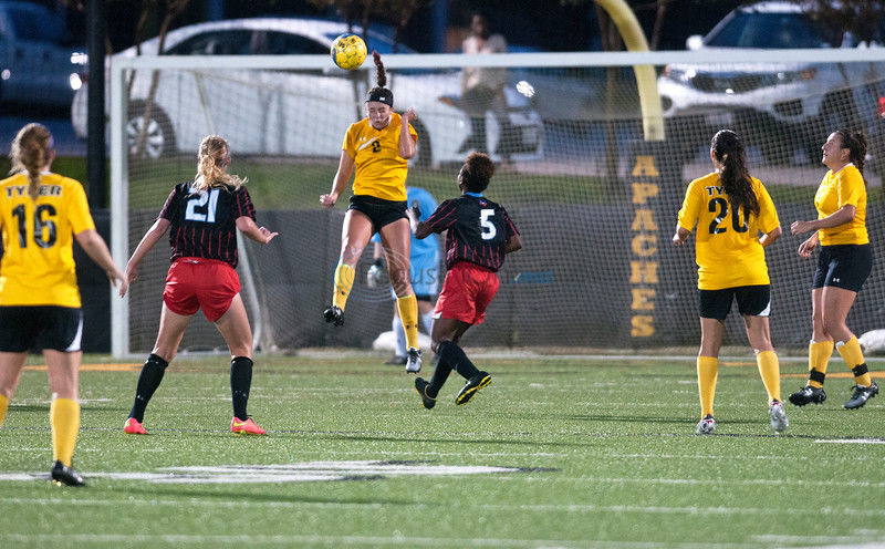 TJC soccer advances to District final