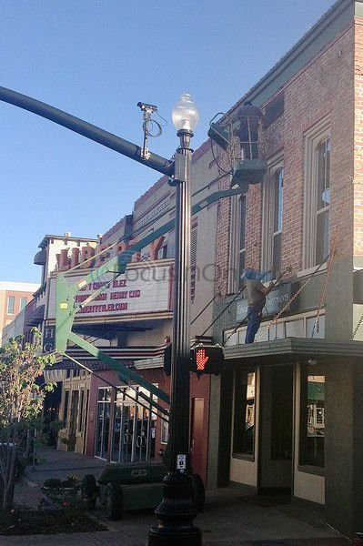 Businessmen and city looking to brighten downtown for the holidays