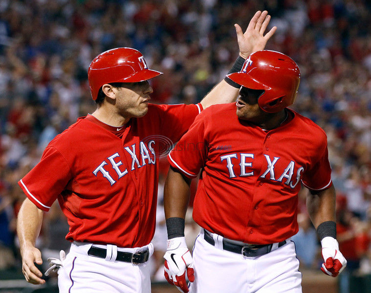 Beltre's homer lifts Rangers by Astros
