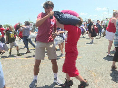 Longview hosts world record pillow fight attempt