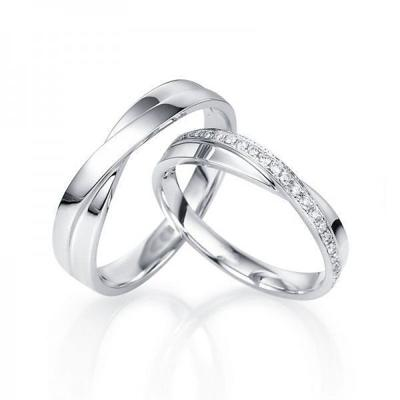 Record 1,201 couples renew wedding vows in Kalamazoo