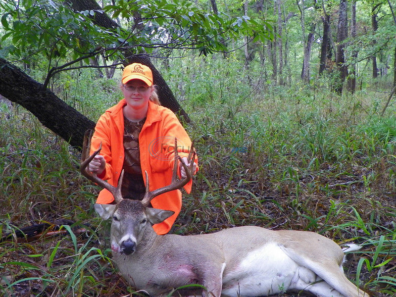 Youth hunters take early contest leads