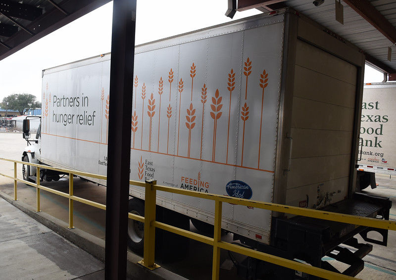 Stock_Food_Bank_Truck