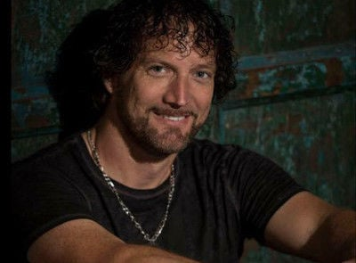 Darrin Morris named Entertainer of the Year at the ETX Music Awards