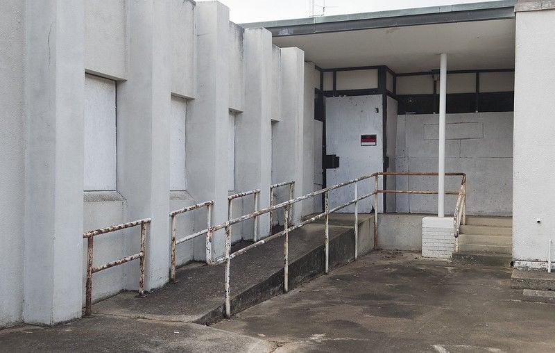 Abandoned Palestine Memorial Hospital a nightmare for neighborhood