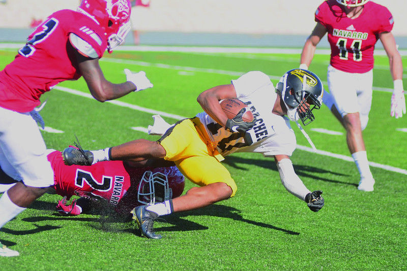 TJC bounces back from first loss to defeat Navarro