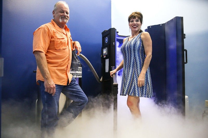 ReNew You provides cryotherapy, compression and red light therapy to relieve chronic pain, inflammation and sunburn