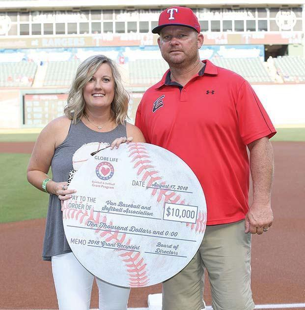 Van Baseball and Softball Association awarded grant by Rangers Foundation and Globe Life