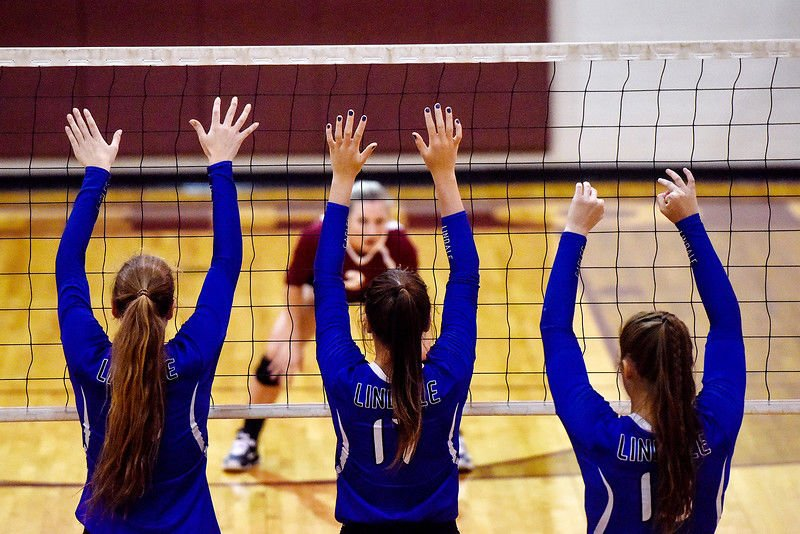 Lindale outlasts Whitehouse in five-set thriller to win district volleyball title