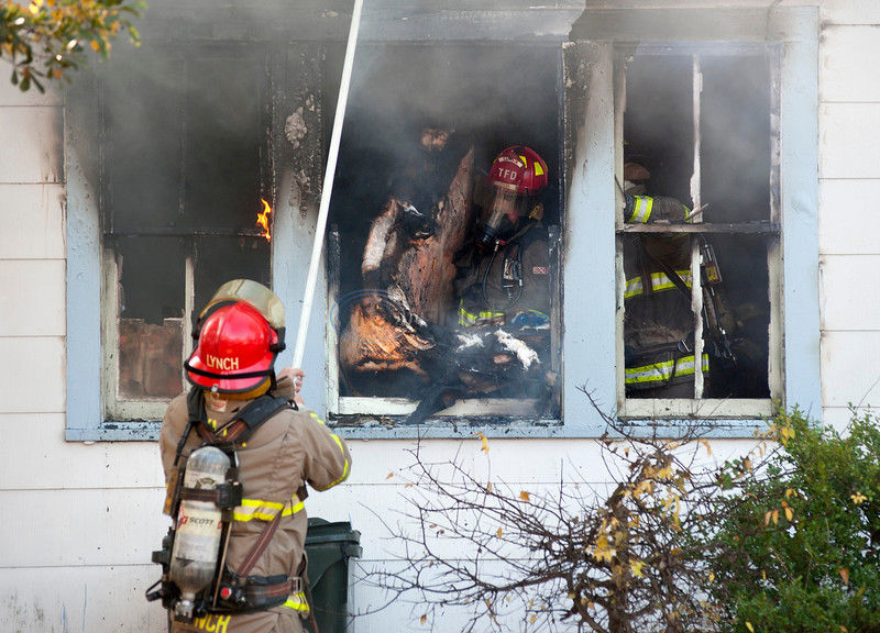Woman loses cats, house sister left to her in blaze